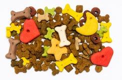 Fondo puesto plano colorido de la comida de perro fotos de archivo