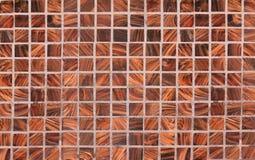 Fondo quadrato dei controlli di legno, lavoro intarsiato Fotografia Stock Libera da Diritti