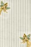 Fondo rayado con las mariposas de hadas Foto de archivo
