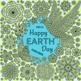 Fondo redondo romántico con las flores, los pájaros y la mariquita Mande un SMS al Día de la Tierra feliz y piense el verde Imagen de archivo