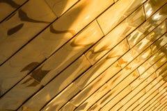 Fondo riflettente dell'oro Fotografia Stock Libera da Diritti