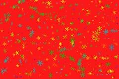 Fondo rojo con los copos de nieve coloridos imágenes de archivo libres de regalías