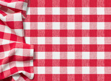 Fondo rojo a cuadros del mantel de la comida campestre foto de archivo libre de regalías