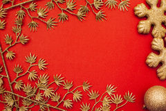 Fondo rojo del Año Nuevo (la Navidad) con la frontera Fotos de archivo