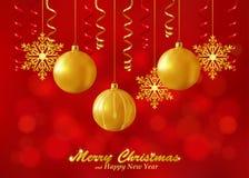 Fondo rojo del día de fiesta con los ornamentos de la Navidad Fotografía de archivo