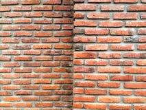 Fondo rojo del grunge de la textura de la pared de ladrillo para las esquinas o el diseño interior vignetted Imagenes de archivo