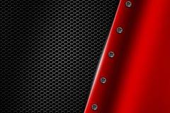 Fondo rojo del metal con el remache en malla metálica gris Imagen de archivo libre de regalías