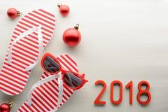 Fondo rojo y del blanco 2018 del Año Nuevo del verano Imagenes de archivo