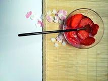 Fondo romántico de las fresas Fotografía de archivo libre de regalías
