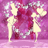 Fondo rosso con le coppie nell'amore Immagini Stock Libere da Diritti
