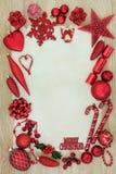 Fondo rosso della bagattella di Natale Fotografia Stock