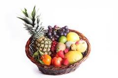 Fondo sano di cibo La frutta e le verdure differenti di fotografia dell'alimento hanno isolato il fondo bianco Immagini Stock
