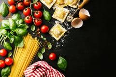 Fondo sano italiano de la comida con el espacio de la copia Imagen de archivo