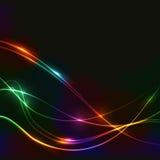 Fondo scuro con le onde del neon del laser di spettro Immagini Stock Libere da Diritti