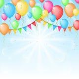 Fondo soleado con los globos y las banderas del color Imagenes de archivo