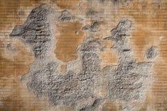 Fondo strutturato stagionato 2 del muro di mattoni e del gesso Fotografie Stock Libere da Diritti