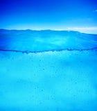 Fondo subacuático listo para el diseño Línea de flotación limpia y clara imagen de archivo