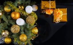 Fondo temático de la Navidad del oro Foto de archivo