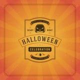 Fondo tipográfico del vector del diseño de la tarjeta de felicitación de Halloween Imagenes de archivo