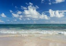 Fondo tropical de la playa en Punta Cana, República Dominicana imágenes de archivo libres de regalías
