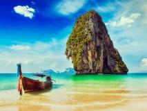Fondo tropicale di concetto di vacanza della Tailandia Fotografie Stock Libere da Diritti