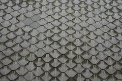 Fondo: una tela degli elementi metallici grigi dei poligoni Immagini Stock Libere da Diritti
