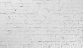 Fondo urbano de la pared de ladrillo vieja blanca imagenes de archivo