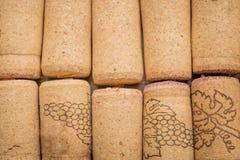 Fondo usato dei sugheri della vite Chiuda su dei tappi della bottiglia fotografie stock libere da diritti