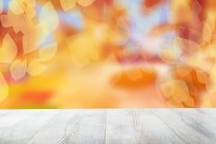 Fondo vacío del otoño de la sobremesa TA brillante de madera rústica vacía imagen de archivo libre de regalías