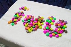 Fondo variopinto e bianco dell'arcobaleno della caramella di giorno di biglietti di S. Valentino Immagini Stock Libere da Diritti
