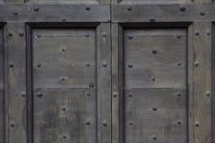 Fondo: vecchia porta di legno Stile Europa medievale & x28; France& x29; Immagine Stock