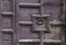 Fondo: vecchia porta di legno Stile Europa medievale Francia di stile Immagini Stock Libere da Diritti