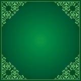 Fondo verde con l'ornamento negli angoli Royalty Illustrazione gratis