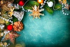 Fondo verde d'annata di Natale immagine stock