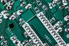 Fondo verde de la placa de circuito de la placa madre del ordenador imagen de archivo libre de regalías