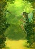 Fondo verde del bosque con una hada Imagen de archivo