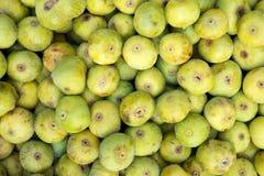 Fondo verde orgánico del higo en mercado de los granjeros fotografía de archivo