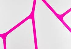 Fondo violeta y blanco de la textura geométrica regular de la tela, modelo del paño Imágenes de archivo libres de regalías
