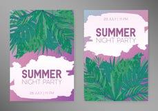 Fondos verticales del verano con las hojas tropicales, monstera, chamaedorea y otras palmas Plantilla para el cartel, cartel Imagen de archivo libre de regalías