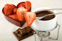 Fondue de chocolate do Valentim Fotos de Stock Royalty Free