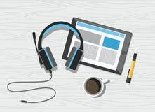 Fones de ouvido acústicos com tabuleta e café no fundo de madeira branco ilustração stock
