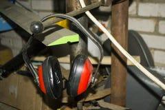 Fones de ouvido da construção contra o ruído Fotos de Stock