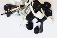 Fones de ouvido e conectores fotografia de stock royalty free