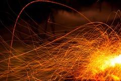 Fonkelende rode vlam als abstracte brandachtergrond Royalty-vrije Stock Foto