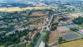 Fonserannes空中顶视图在运河du密地从上面锁,联合国科教文组织遗产地标,法国 库存照片