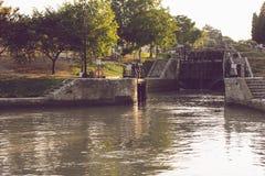 Fonserannes Blokuje, jest lotem schodów kędziorki na Canal Du Midi blisko Béziers, Languedoc Roussillon, Francja obrazy royalty free
