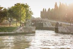 Fonserannes Blokuje, jest lotem schodów kędziorki na Canal Du Midi blisko Béziers, Languedoc Roussillon, Francja obrazy stock
