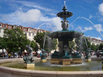 Fontain op Place du Rossio, Lissabon Stock Afbeelding