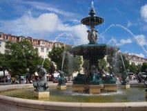 Fontain Place du Rossio, Λισσαβώνα στοκ εικόνα