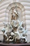 Fontaine à la porte de rue Michael à Vienne image stock